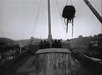 The Spider Returns--dockyard cliffhanger